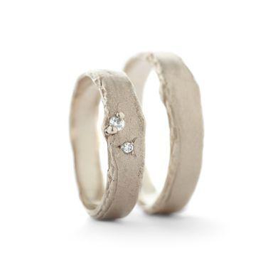 Fijne trouwring met diamantjes | Wim Meeussen Goudsmederij Antwerpen