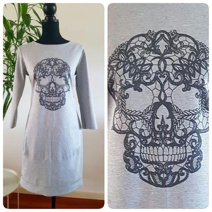 Grijze blouse met skull – Amsterdam Tattooing