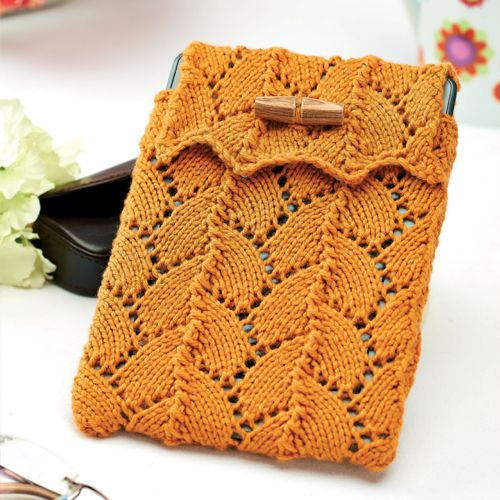 Lace-knitted Kindle Cosy - Free Knitting Patterns - Homewares Patterns - Let's Knit Magazine