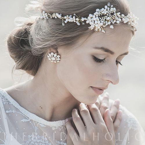 """Crystal Stud Gold Earring""- インポートウェディングアクセサリー|THE BRIDAL HOLIC ブライダルホリック"