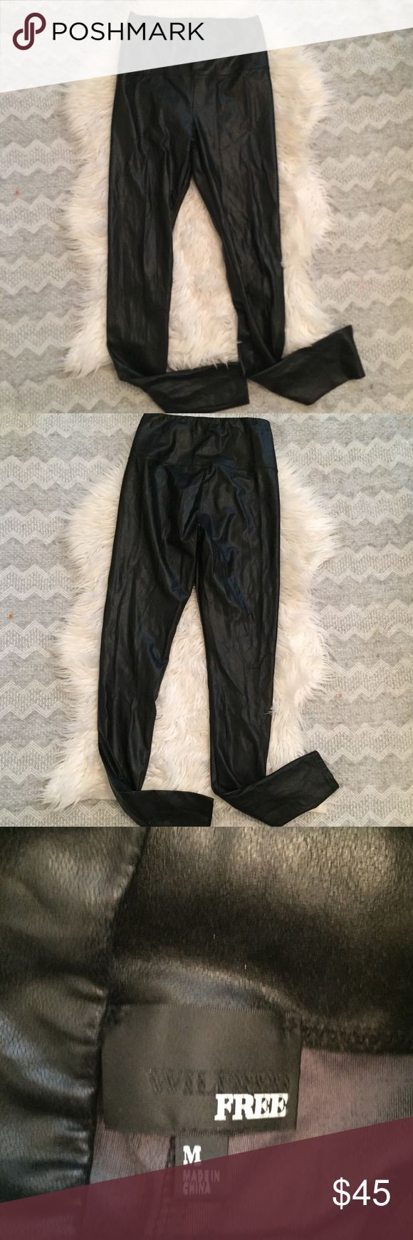 Wilfred Free High Vegan Leather Legging Daria Pant Wilfred Free High Waisted Leather Daria Legging Jean . Super soft inside and out!! Size medium, great quality & great condition! Vegan leather. Wilfred Pants Leggings