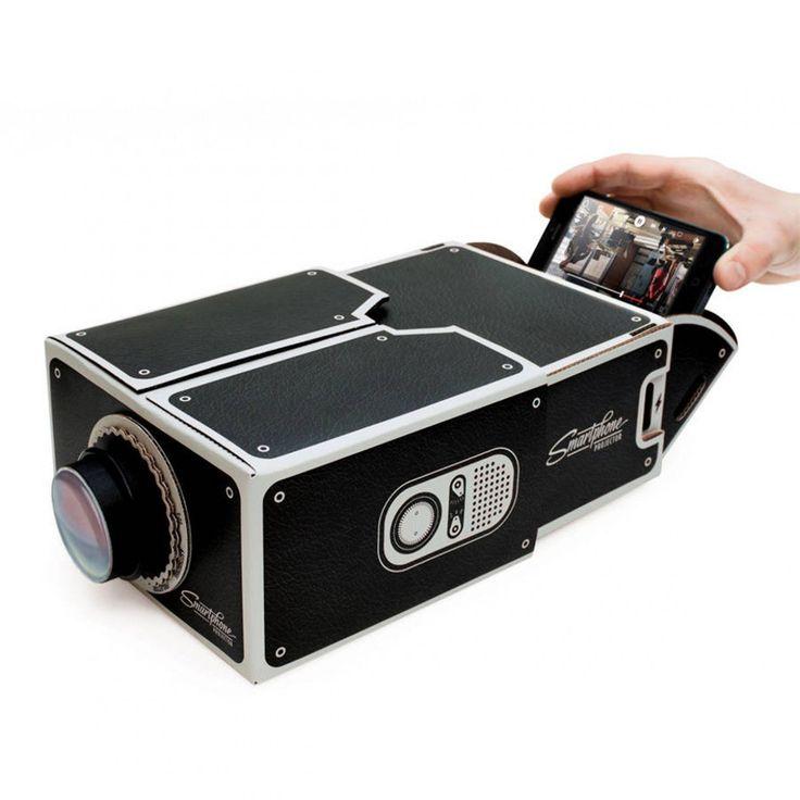 Smartphone projector van karton