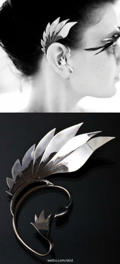 Jewelry | Jewellery | ジュエリー | Bijoux | Gioielli | Joyas | Art | Arte | Création Artistique | Artisan | Precious Metals | Jewels | Settings | Textures | L'envol Ear Cuff By Dun