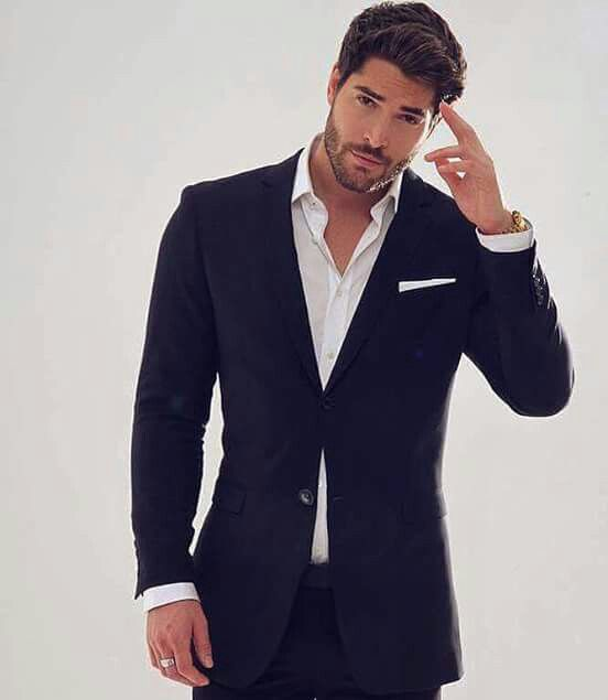 Nick Bateman ....as GREY