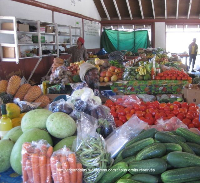 Bequia: Saint Vincent and the Grenadines//bequia-marché