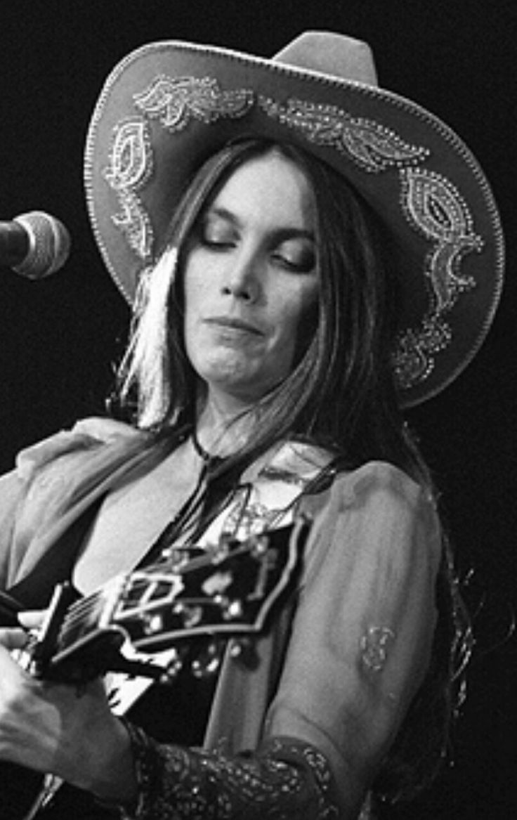 17 Best images about Emmylou Harris on Pinterest   Western ... Emmylou Harris Country Radio