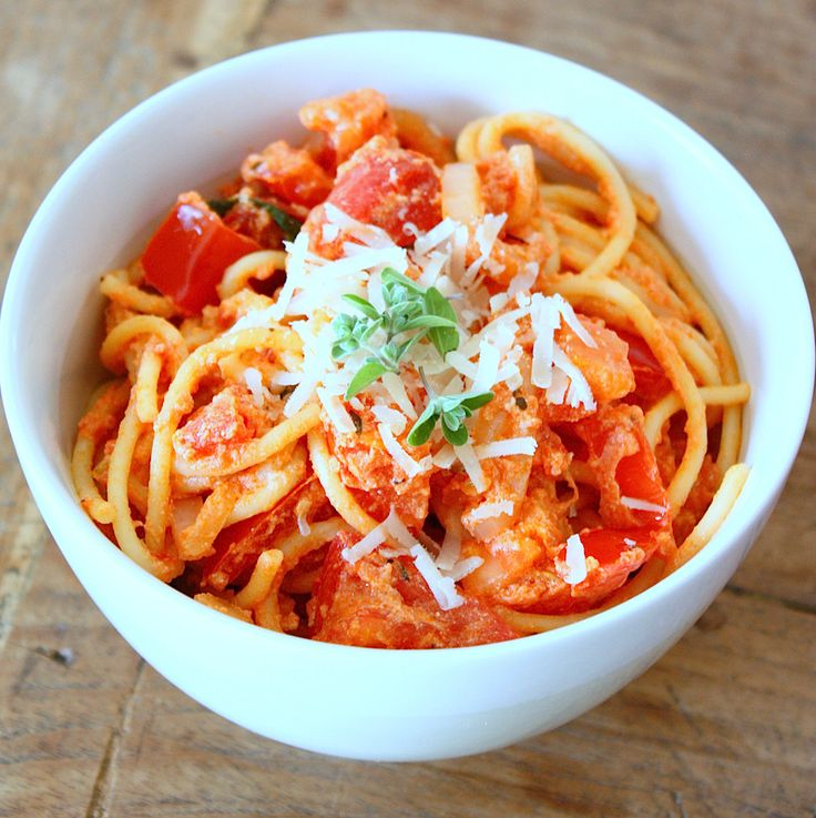 Spaghetti met tomaat en ricotta - Francesca Kookt