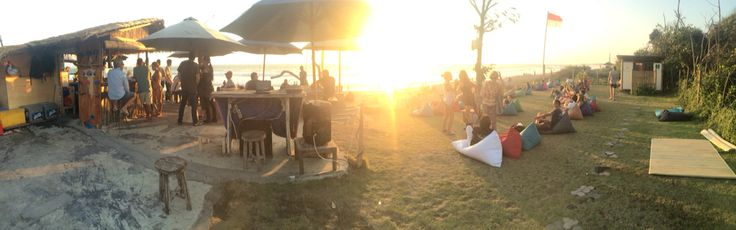 707 Bar at Batubelig Beach, Bali. One of my fave spot to enjoy the sunset