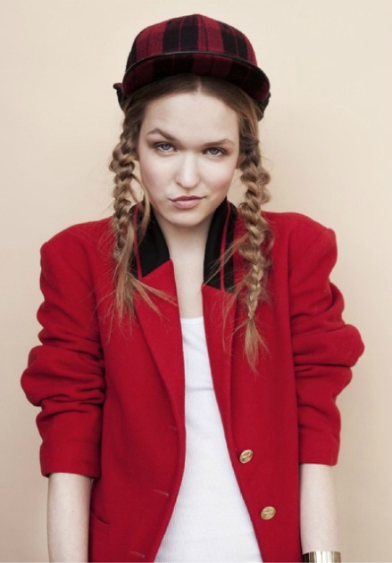 photo: Łukasz Pik hair: Michał Bielecki styling: Dorota Boruń model: Masha/D'vision www.zwyklezycie.pl