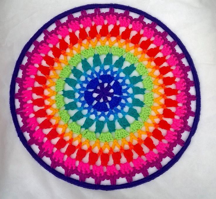 Mandalas tejidas al crochet tamaño grande. Todas en colores variados o podés…