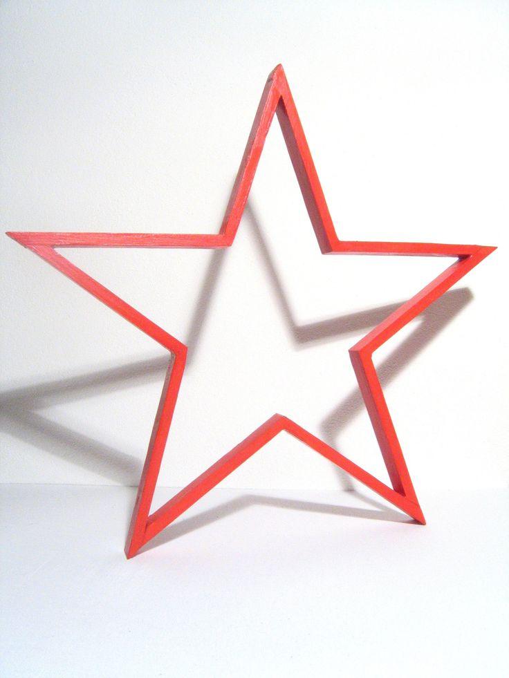 Vánoční+dekorace+-+hvězda+cca+43cm+Krásná+dřevěná+hvězda+červené+barvy.+Rozměry+cca:+43+x+2+x+1cm+Krásná+dekorace+na+stůl,+komodu+i+poličku.+Jedná+se+o+ruční+práci+ze+dřeva,+tedy+drobné+nedokonalosti+jsou+záměrem,+nikoliv+vadou.+Originál,+vyroben+s+láskou!+:)+Neprat,+nemýt+a+nezapalovat!