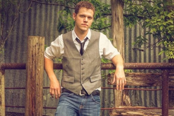 "BIG RIGGS: Austin-based country artist Sam Riggs had a big year in 2014, but 2015 might be even bigger | Red Dirt Report ""Album of the Day"" 11-12-17"