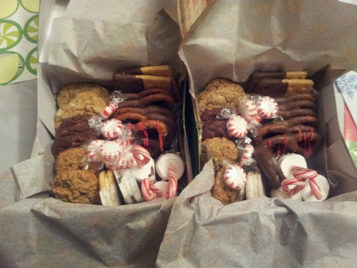 Custom holiday Christmas dessert box