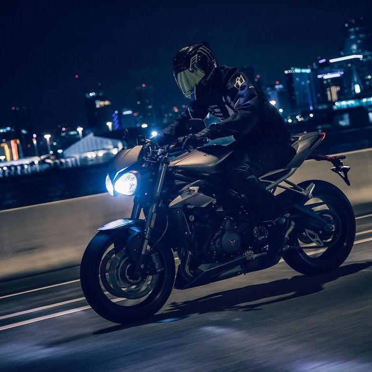 Our good friend @nickapex7 putting the brand new Triumph Street Triple RS through its paces. . @triumphamerica @officialtriumph @iconmotosports #triumph #streettriple #streettriplers #nickapex #empirerules #bikeexif
