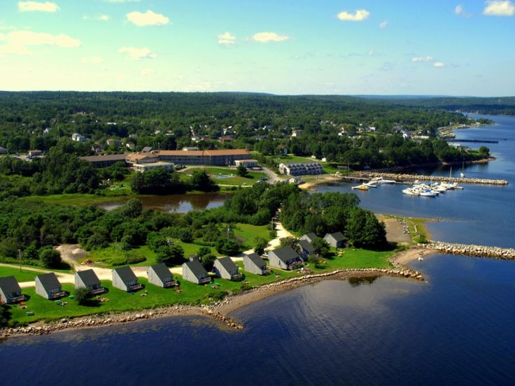 Stow away for a relaxing autumn weekend on the south shore at Atlantica Hotel & Marina Oak Island.