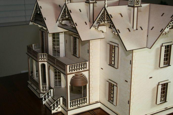 Antiche case vittoriane in legno per le bambole, di Victorian Dollhouse