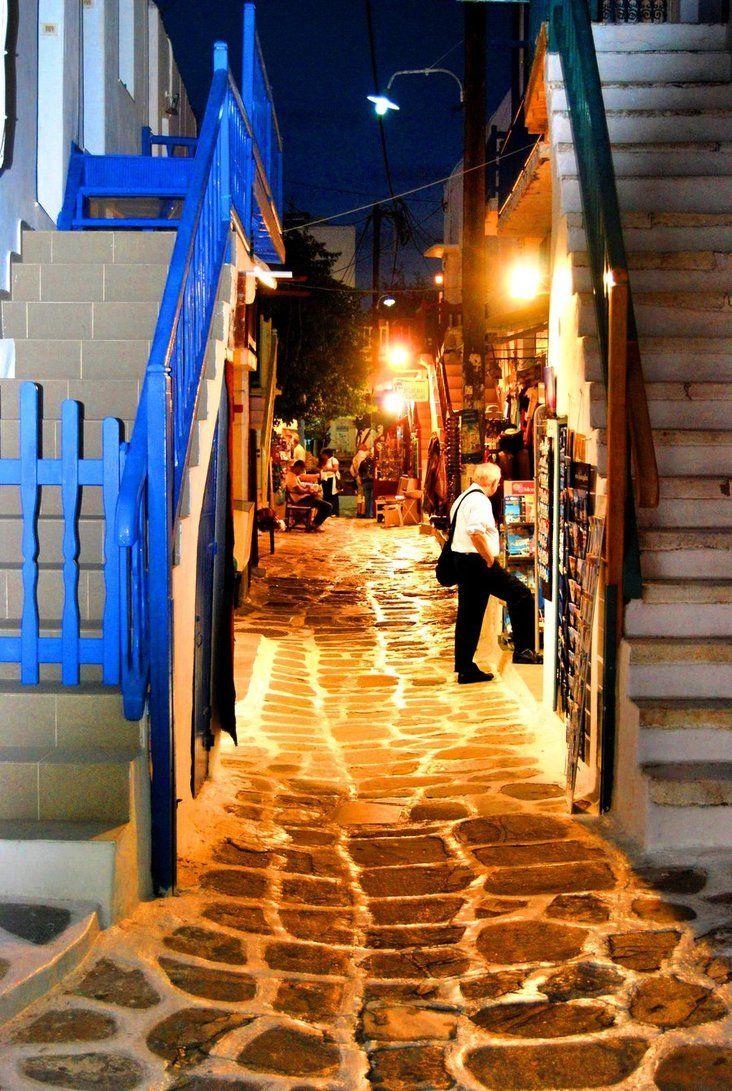 astonishingreece:  Mykonos alleys in the night.. ΑΩ!
