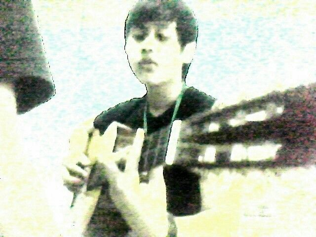 Anggi take this shots while I'm playing a guitar in my old room of my old house at Baktis. The quality of my pavillion laptop wasnt good right?