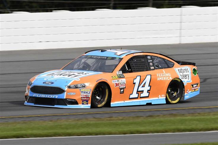 Starting Lineup for Overton's 400 Sunday, July 30, 2017 Clint Bowyer will start seventh in the No. 14 Stewart-Haas Racing Ford Crew chief: Mike Bugarewicz Spotter: Brett Griffin Photo Credit: John K Harrelson NKP Photo: 7 / 38