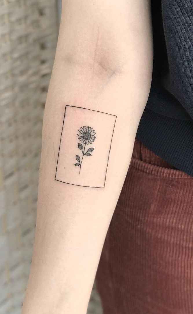 Celebrate The Beauty Of Nature With These Inspirational Sunflower Tattoos Simplistic Tattoos Sunflower Tattoos Tattoos