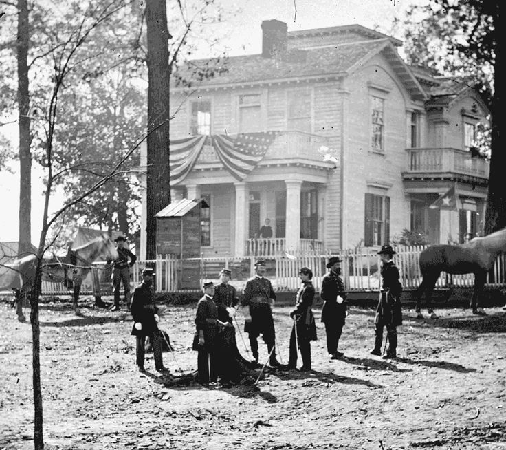 Atlanta, Ga. Federal officers standing in front of house in 1864. Credit: George N. Barnard / Library of Congress