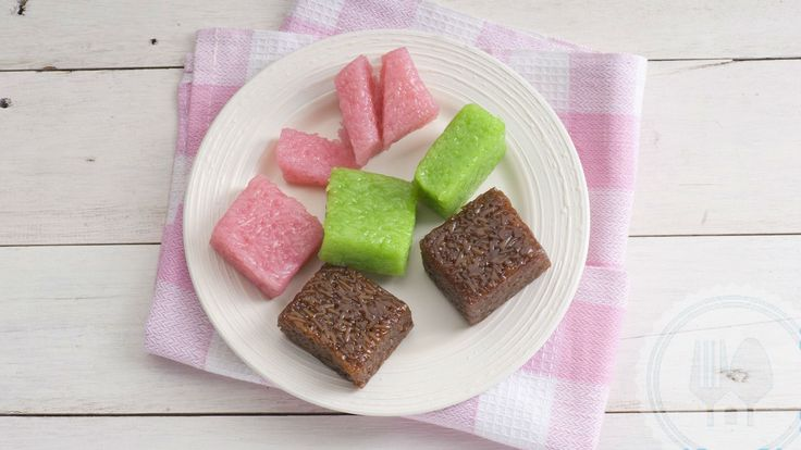 WAJIK. Sweet sticky rice and coconut milk, shaped into a trapezium thus the name wajik, or trapezium