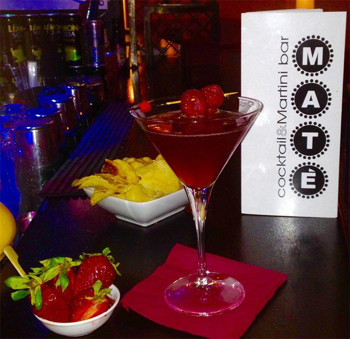 Melograno Martini. Sapore sensuale. #Drinks #Melograno #Bar #LagoGarda