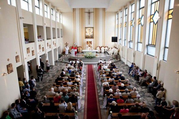 Wnętrze kościoła dominikanów w Katowicach, Msza Święta. #dominikanie #katowice #kościół