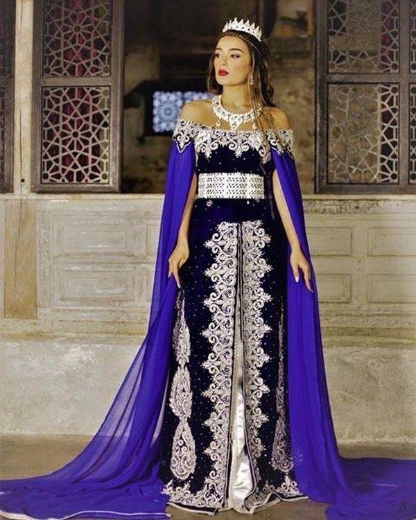 "Saliha Addad Robe De Createur on Instagram  ""Caftan Imperial Bleu royal   caftan  salihaaddad  negafaprestige  negafa  ziana  bleuroi  velours  henna  ... 3f601f4e148"
