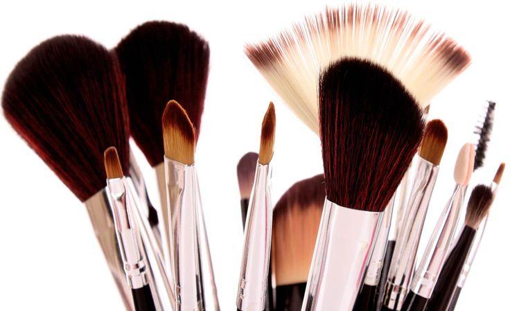 Veja o guia de pinceis para maquiagem que preparei para vocês e saiba quais são as funções de cada um deles. E escolha os seus preferidos.