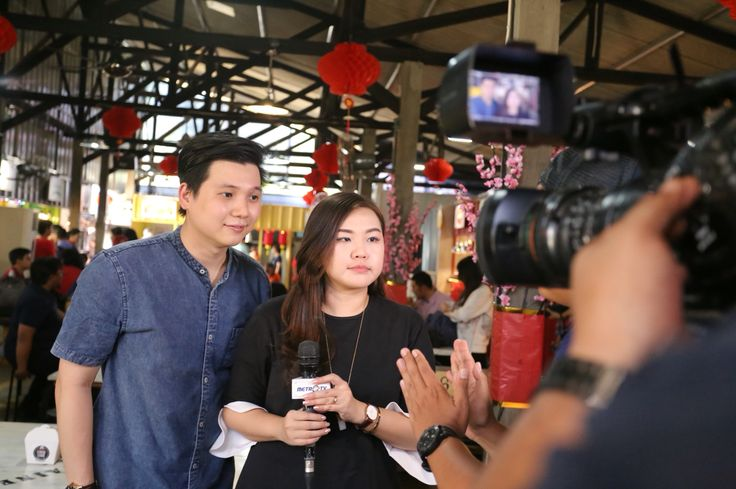 The famous food blogger @anakjajan interviewed by Metro TV on grand launching