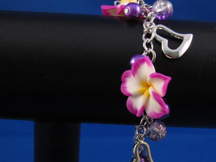 Armband bloemen Artikelnummer: 0685 Prijs: € 4,95
