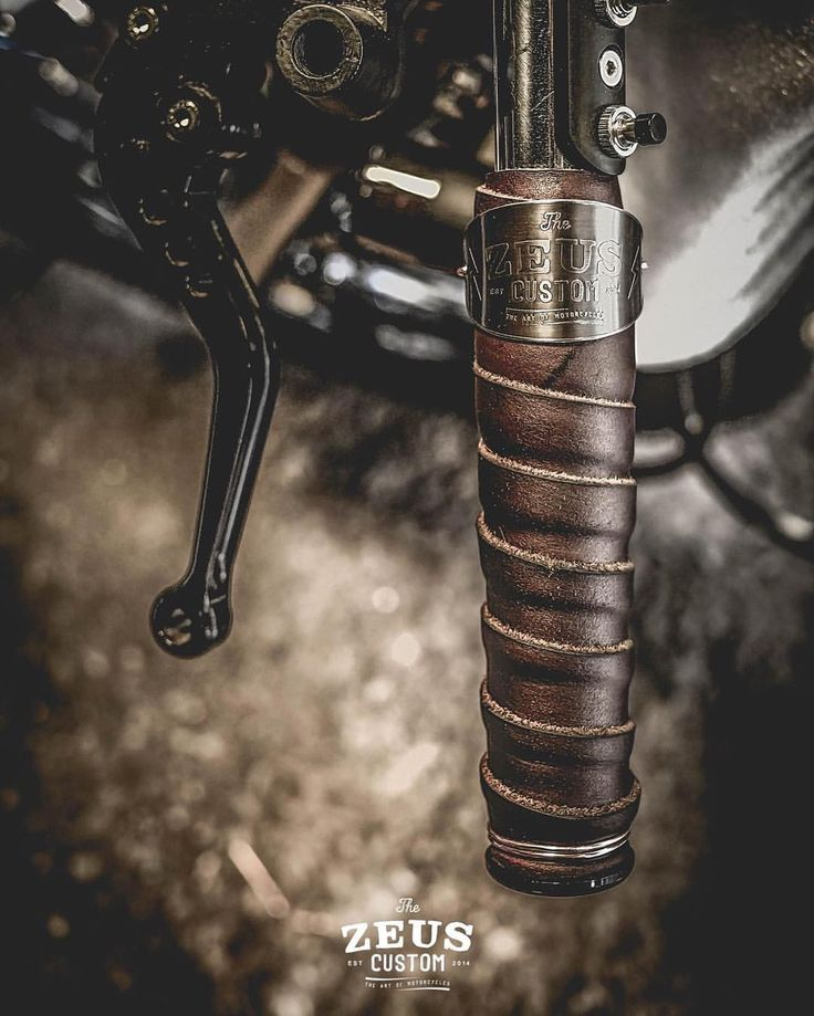 Leather roll grips
