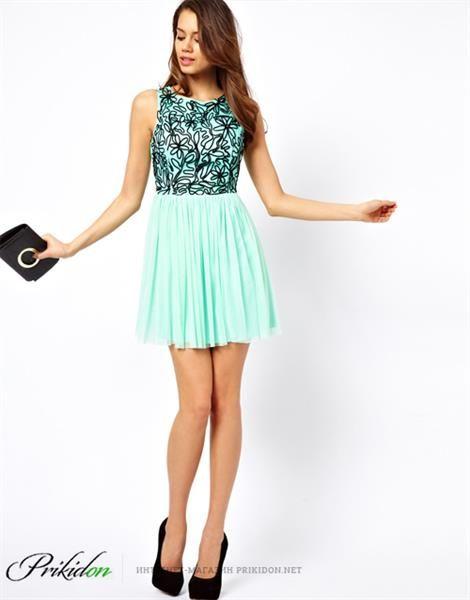 Светло салатовое платье