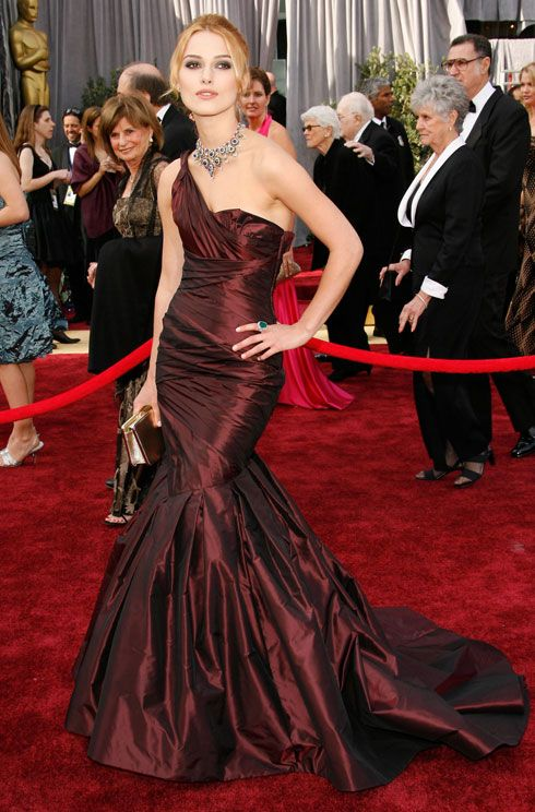 Keira Knightley Oscars red carpet.  Year: The 78th Annual Academy Awards, 2006.  Designer: Vera Wang