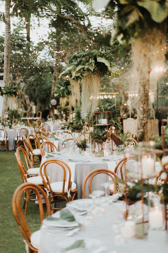 Elegant Romantic White Green Wedding At Khayangan Estate In Bali Browse Wedding Party Ideas 100 Layer C Wedding Themes Summer Bali Wedding Wedding Themes