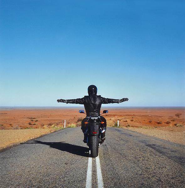 Approach to Mundi Mundi (2007) by Australian artist Shaun Gladwell