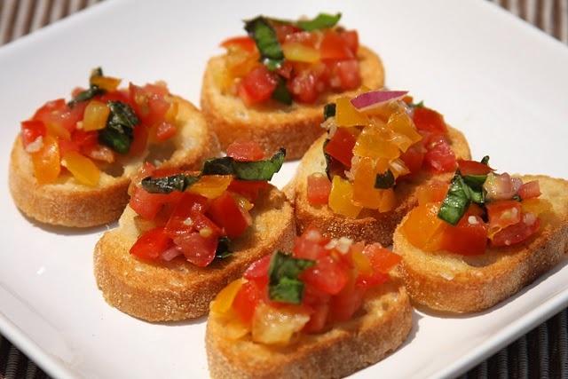 Fresh Tomato Basil BruschettaTomato Basil, Fingers Food, Food Ideas, Dinner Ideas, Fresh Tomatoes, Favorite Recipe, Basil Bruschetta, Tomatoes Basil, Parties Food