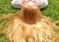 Come schiarire i #capelli: 8 metodi fai-da-te più efficaci e facili da mettere in pratica