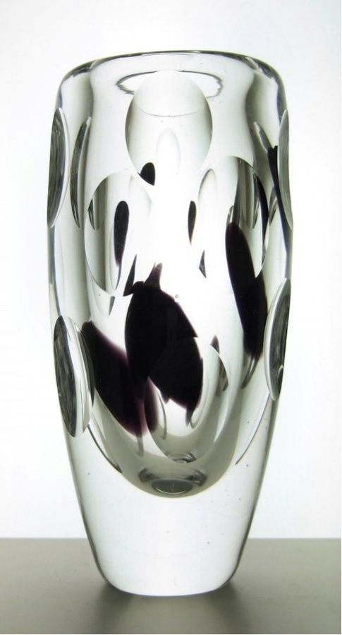 1960s Vicke Lindstrand vase with ground lenses and purple-black spots