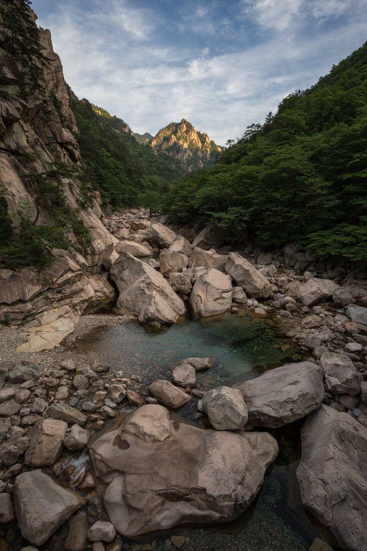 A few shots from the lovely Seoraksan National Park, South Korea.