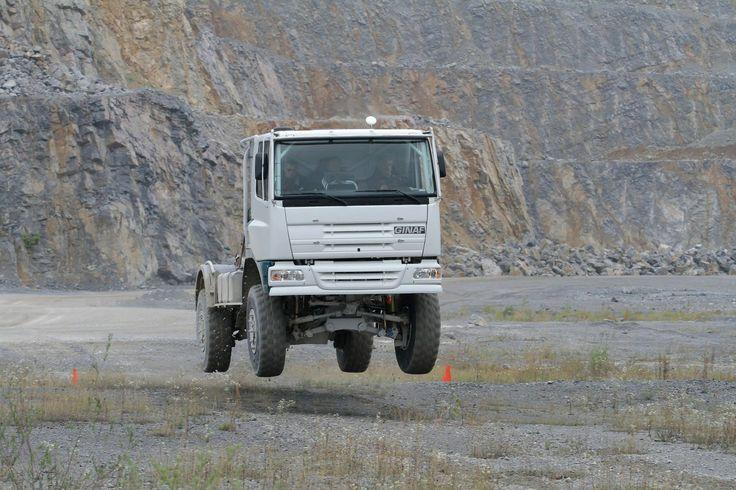 ginaf daf testing for dakar parijs vrachtwagens