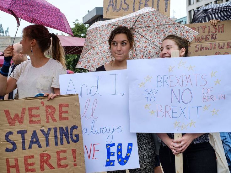 4 out of 5 #BritishExpats fear they will have their automatic right to live abroad stripped from them after Brexit. http://www.independent.co.uk/news/world/europe/brexit-latest-poll-expats-fear-losing-right-live-abroad-article-50-a7580741.html