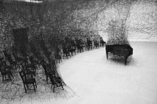 © Chiharu Shiota, In Silence (CentrePasquArt, Biel - Bienne)