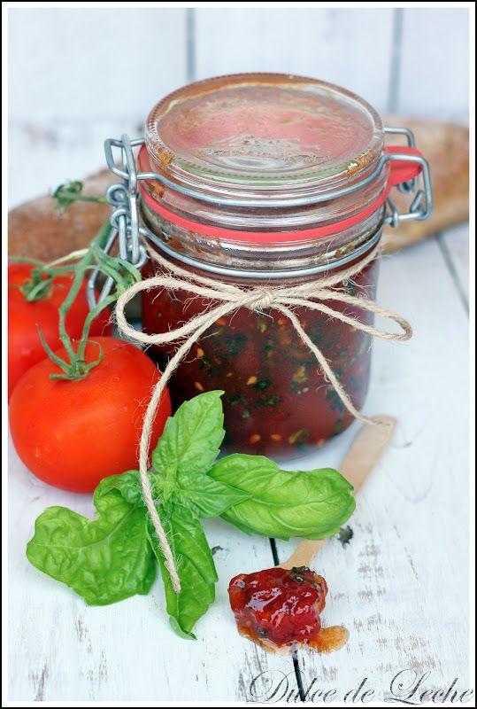 Sicílsky rajčinový džem a domáci syr z gréckeho jogurtu
