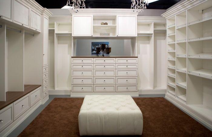 Women 39 s luxury walk in closet fantasy house pinterest for Luxury walk in closets