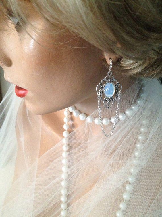 Weisser Opal Ohrringe viktorianischen Ohrringe von ArlenesRubies