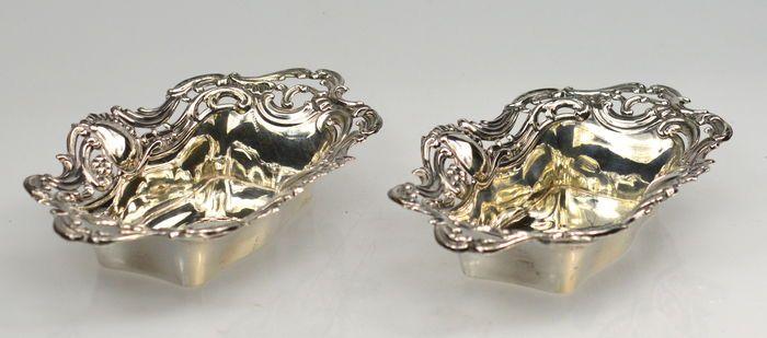 Online veilinghuis Catawiki: Paar zilveren schalen, Marks