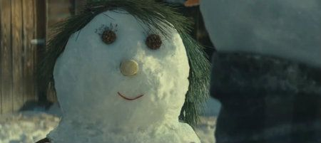 How The Unofficial @MrsJLSnowman Twitter Account Got A Thank You From John Lewis