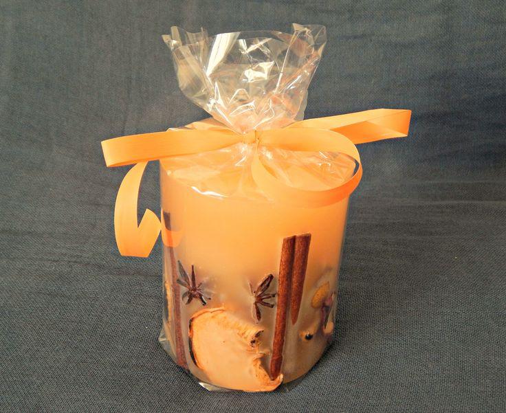 Μικρό στρογγυλό χειροποίητο κερί με άρωμα βανίλιας. Ιδανικό για επαγγελματικά δώρα και για γήινες διακοσμήσεις. http://www.kirofos.gr